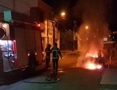 Carro pega fogo em Macaíba