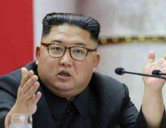 Kim Jong-un morre após complicações em cirurgia, diz TMZ