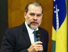 """Toffoli defende saída """"diagonal"""" para isolamento por novo coronavírus; presidente do STF fala em retorno gradual de trabalhadores"""