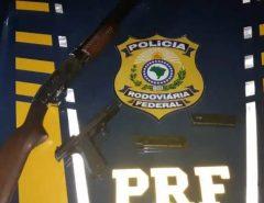 PRF prende quatro homens com armas e drogas na BR 304 em Lages/RN