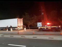 PRF realiza escolta de caminhão com respiradores de Recife/PE para Natal/RN