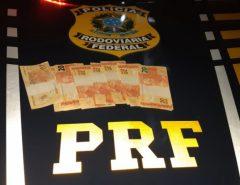 Trio é preso com dinheiro falso na BR 101 em Canguaretama/RN