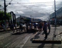 Feirantes protestam após Prefeitura de Macaíba adotar medida que busca evitar o crescimento de covid-19 no município