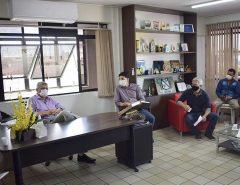 Prefeito de Macaíba recebe representantes da UEMAC