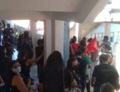 Professores ocupam a prefeitura de São Gonçalo do Amarante