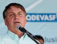 Governo Bolsonaro tem aprovação de 45%, diz pesquisa