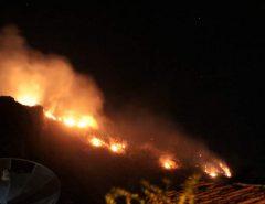 Fogo toma conta da Serra da Capelinha, em Parelhas