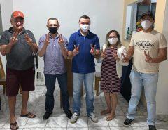 A Agente Comunitária de Saúde, Zerilda Correia, e seu esposo Medeiros, declaram seu apoio a Emídio Júnior  e Denilson Gadelha