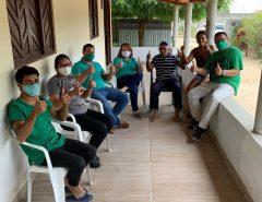Marília Dias e Igor Targino são recebidos pelos moradores da comunidade do retiro