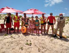 Corpo de Bombeiros resgata quatro pessoas de afogamento na Praia do Forte