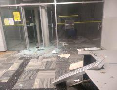 Bandidos explodem agências bancárias em São Paulo do Potengi