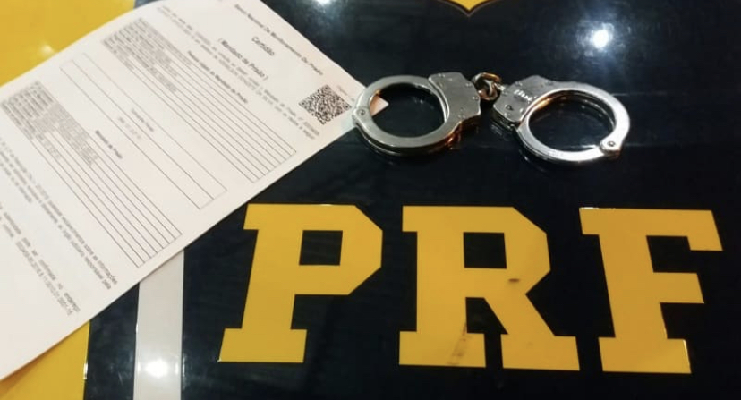 PRF prende homem com mandado de prisão em aberto em Macaíba