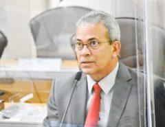 Hermano Morais propõe redução de taxa de estacionamento no aeroporto de SGA