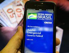 Caixa paga auxílio emergencial a 3,2 milhões nascidos em novembro