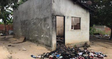 Incêndio destrói casa e objetos de família em Bela Vista