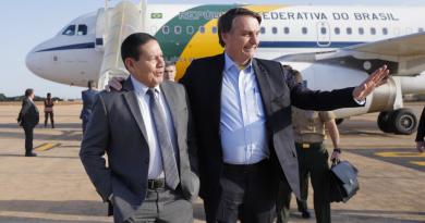 Ministério Público pede ao TCU para trocar Bolsonaro por Mourão na gestão da crise da Covid