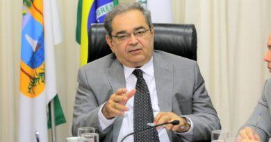 Álvaro Dias: É absurdo Governo prender cidadãos por toque de recolher