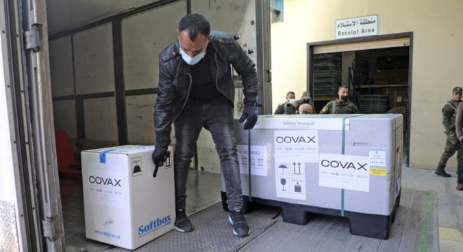 Chega ao Brasil a primeira remessa de vacinas do Covax Facility