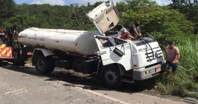 Acidente entre dois caminhões e dois carros deixa três feridos na BR-304 na Grande Natal