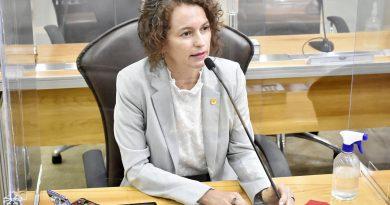Isolda propõe que Sesap convoque aprovados para reforçar assistência na pandemia