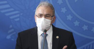 """""""É fundamental que os alunos voltem às aulas"""", diz ministro Marcelo Queiroga"""