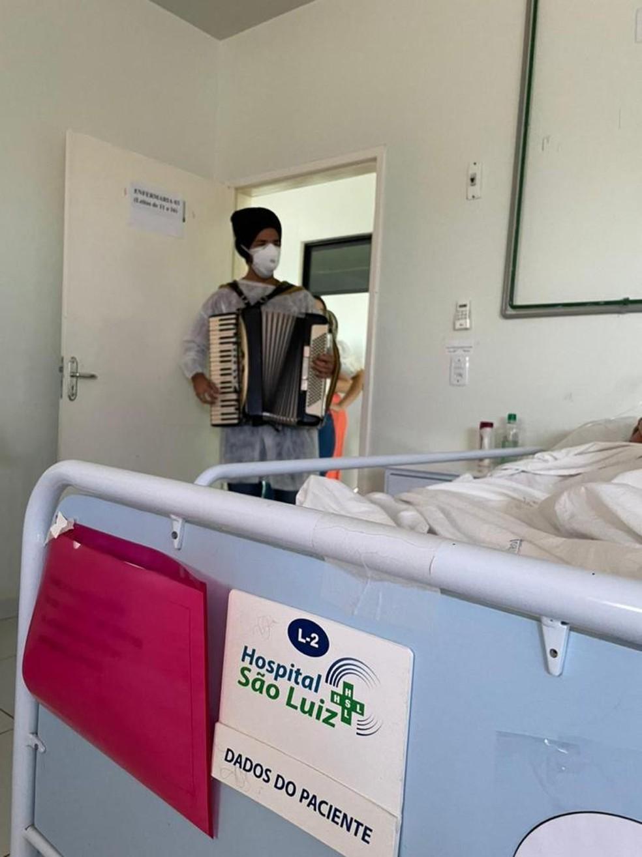 Mães internadas com Covid-19 recebem homenagem dentro de hospital no RN
