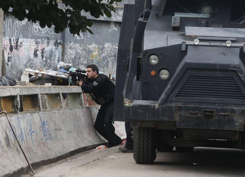 Polícia foi recebida com brutalidade, fuzis e granadas, diz governador do Rio