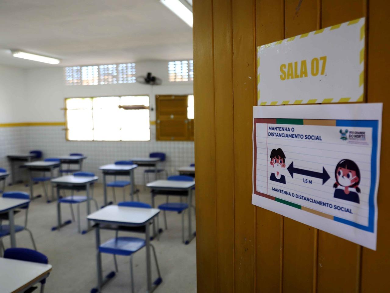 Governo entrega à Justiça plano de retomada das aulas presenciais