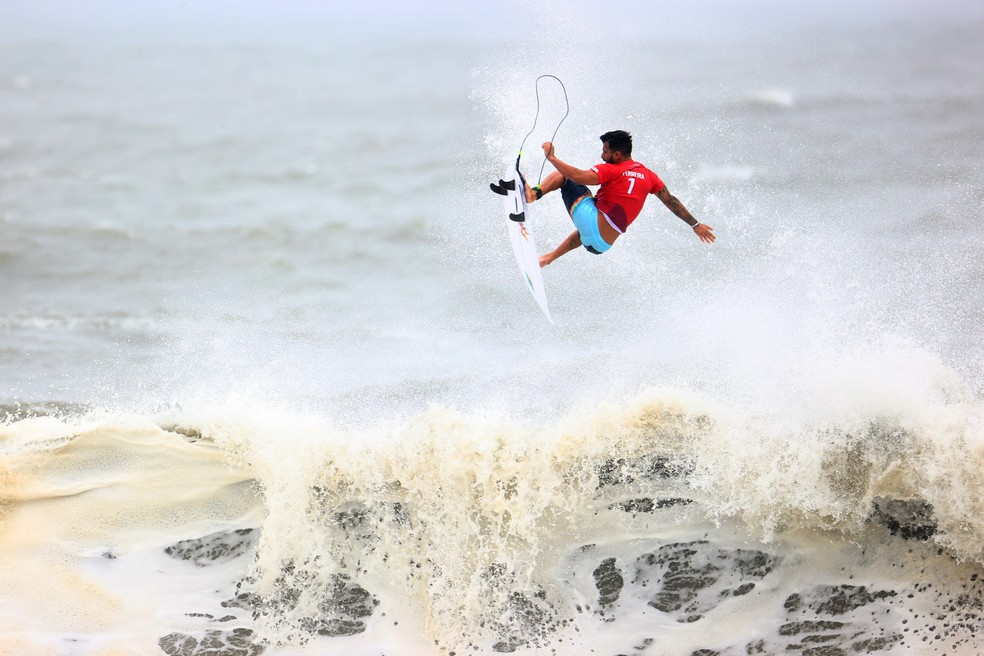 Ítalo Ferreira venceu sua bateria nas quartas de final das Olimpíadas Imagem: REUTERS/Lisi Niesner